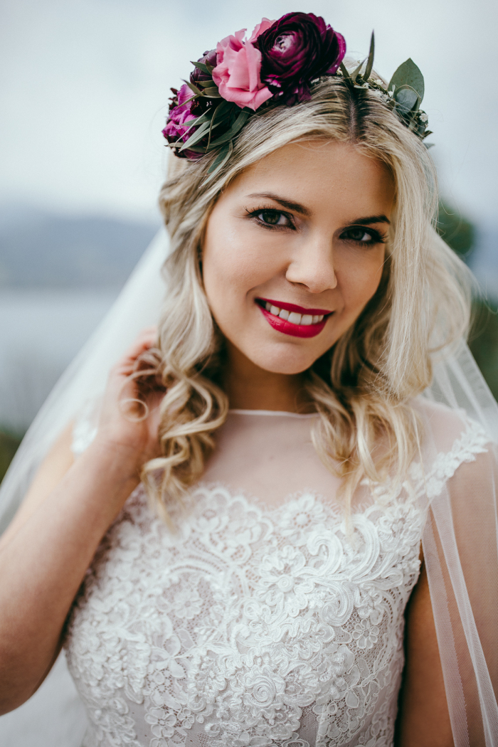 Foto: Chris & Ruth Photography Sandy und Boris wedding hair and makeup by Zuzanna Grabias