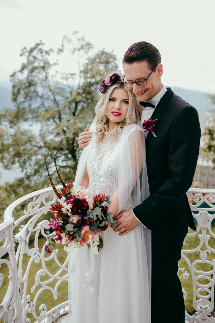 Foto: Chris & Ruth Photography Sandy und Boris wedding hair styling and makeup by Zuzanna Grabias