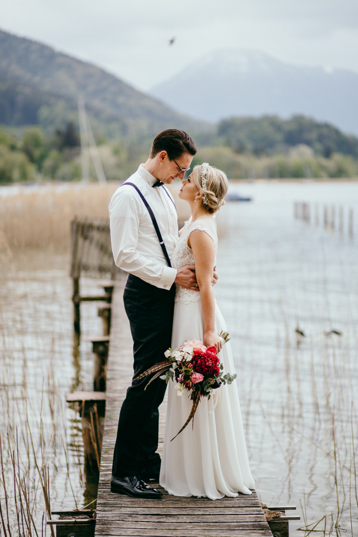 Foto: Chris & Ruth Photography Sandy und Boris wedding styling by Zuzanna Grabias hair and makeup hajs-ajs