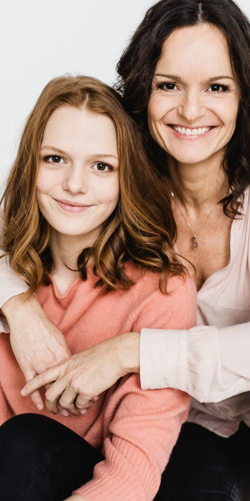 Sylvia und Nella photoshooting hair and makeup by Zuzanna Grabias