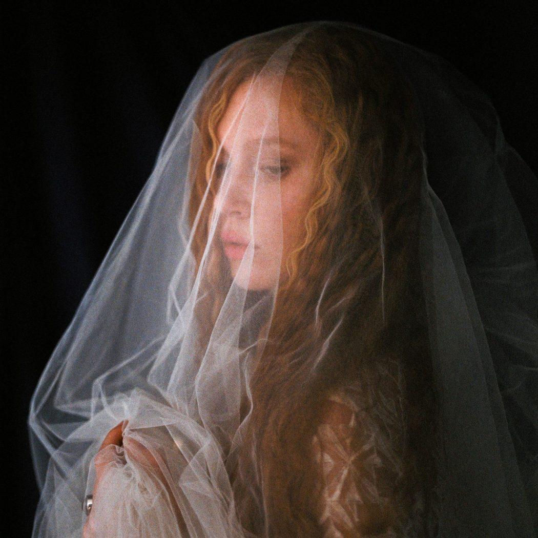 Foto: Birgit Hart photoshooting Alte Meister styling by Zuzanna Grabias hair and makeup hajs-ajs