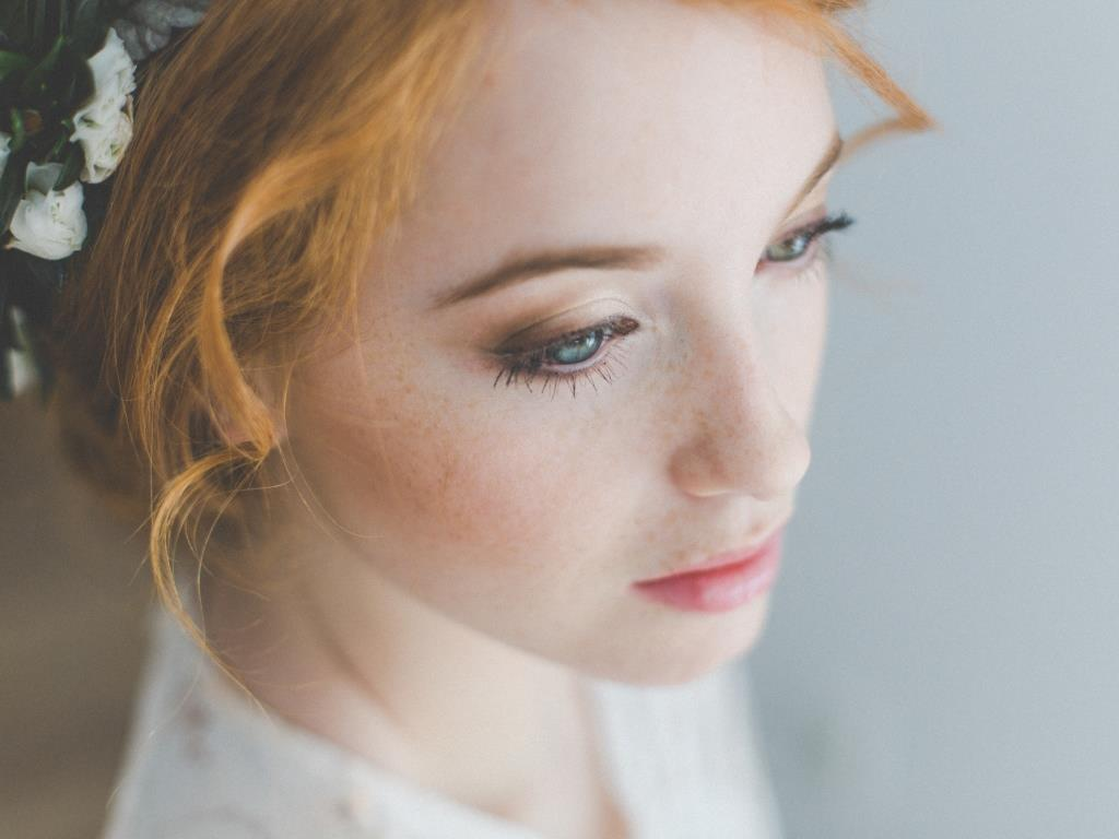 Rebecca wedding hair styling and makeup by Zuzanna Grabias